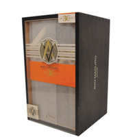 Avo 30 Years Maduro Piramides  (7x52/ Box 25)