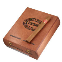Romeo y Julieta Vintage No. 3 (5x50 / Box 25) + 12 FREE CIGARS + FREE SHIPPING ON YOUR ENTIRE ORDER!