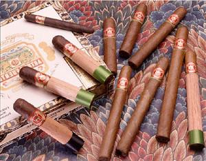 Arturo Fuente Breva Royale (5.5x42 / 5 Pack)