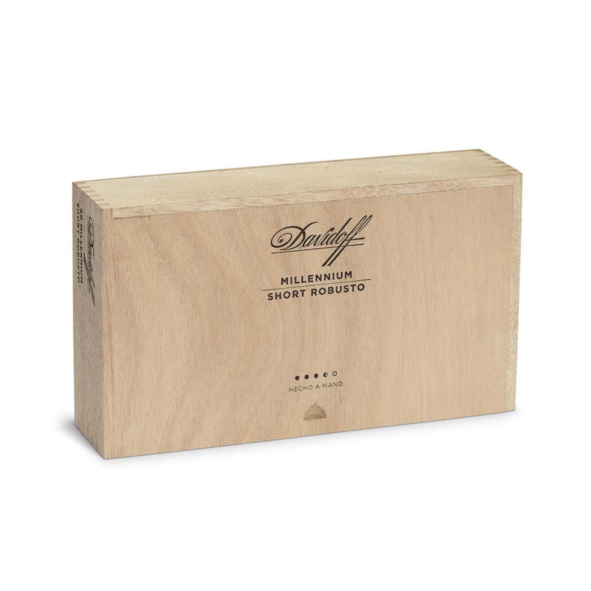 Davidoff Millennium Short Robusto (4.25x52 / Box 20)
