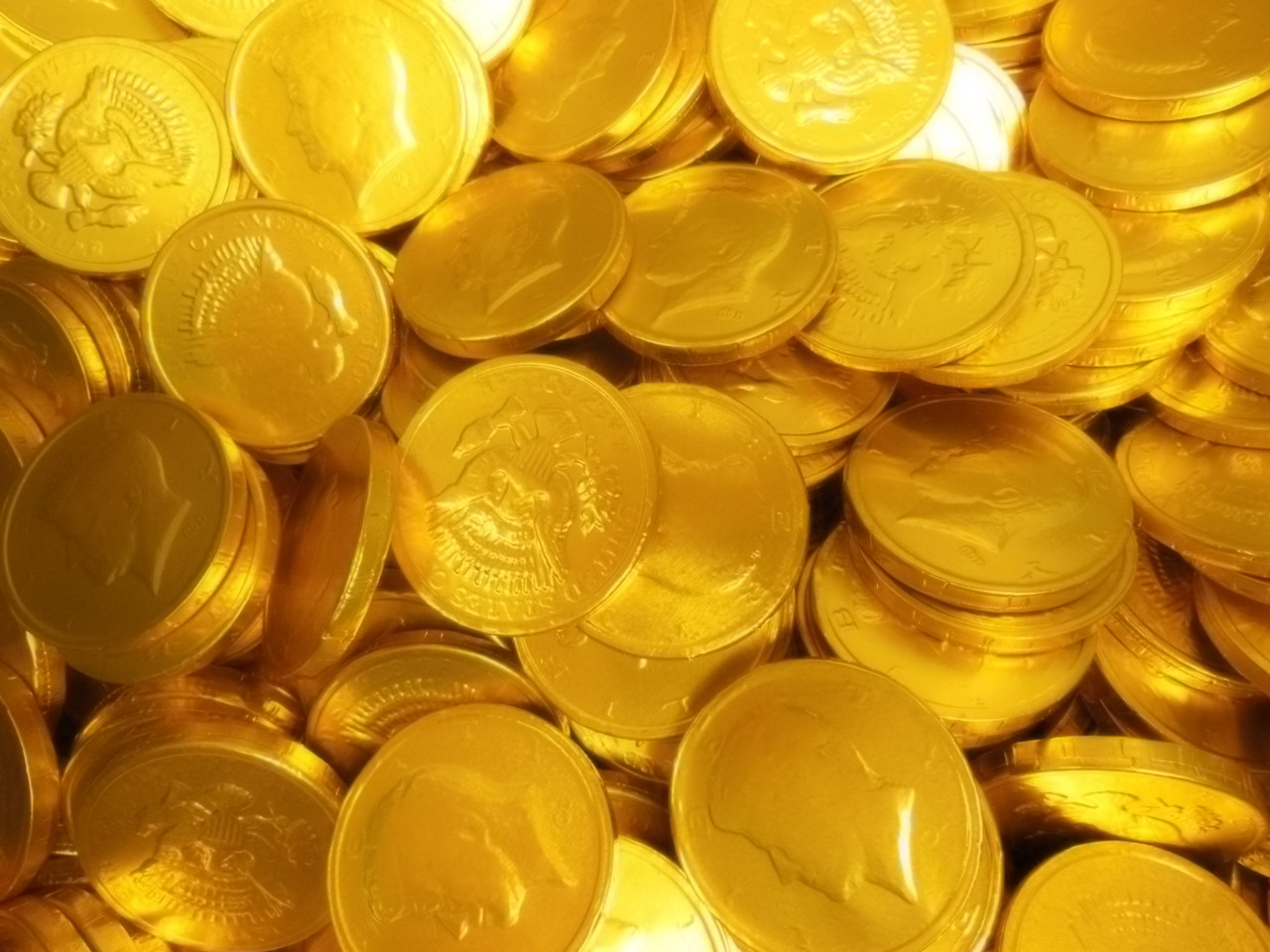 Photo of Gold and silver chocolate coins | Free christmas ...