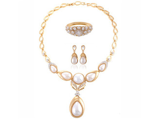 Neoglory Gold Plated/Faux White Pearl/ Clear Crystal Feature Necklace Set S41