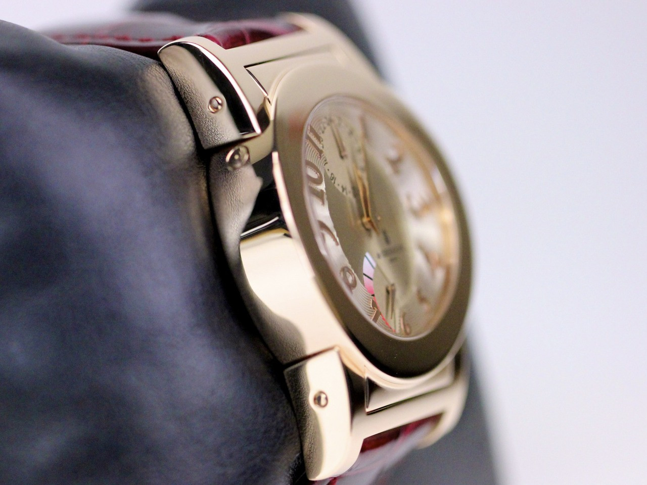 Case in Rose Gold - de Grisogono Watch - Tondo RM N52/A  - Legend of Time - Chicago Watch Center