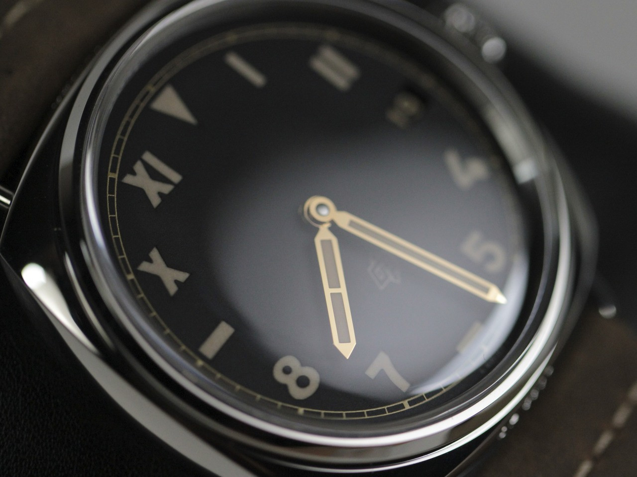 Dial & Hands - New Panerai Watch - Radiomir California 3 Days PAM 424 - www.Legendoftime.com - Chicago Watch Center