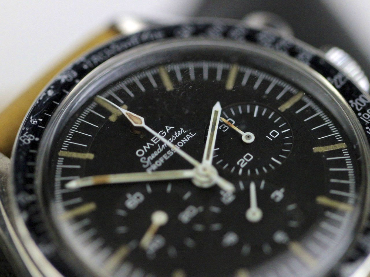 Black Dial Details - Omega Watch - Vintage 1967 Speedmaster Professional Pre-Moon Cal 321 - www. Legendoftime.com - Chicago Watch Center
