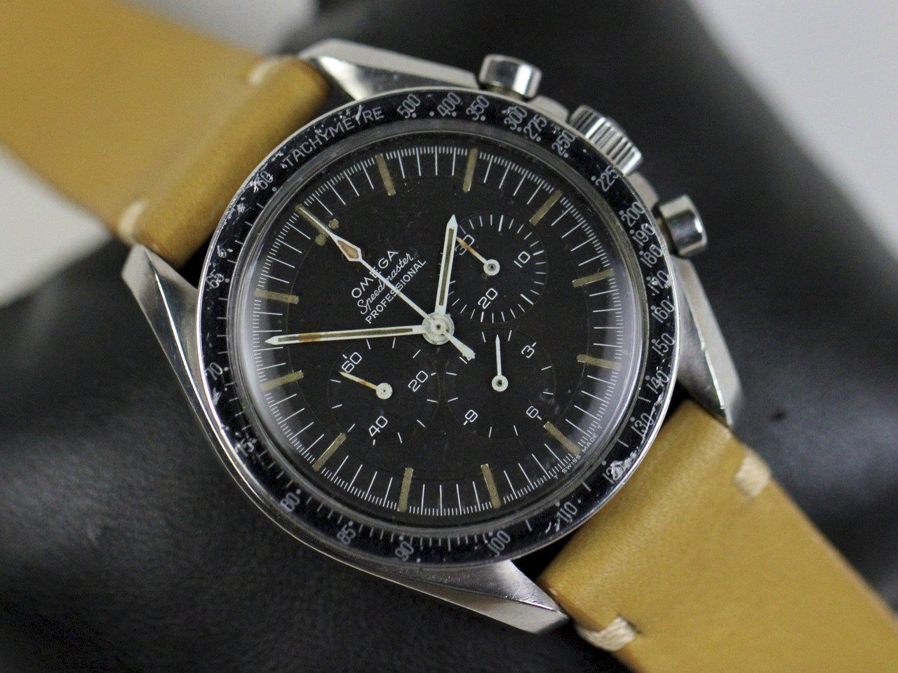 Omega Watch - Vintage 1967 Speedmaster Professional Pre-Moon Cal 321 - www. Legendoftime.com - Chicago Watch Center
