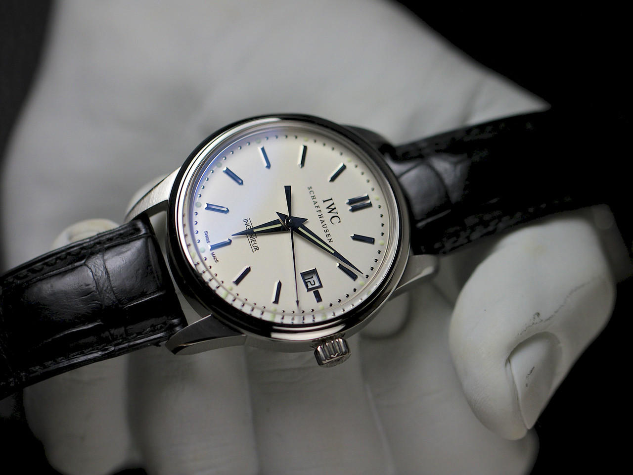 how to set the time on an iwc watch