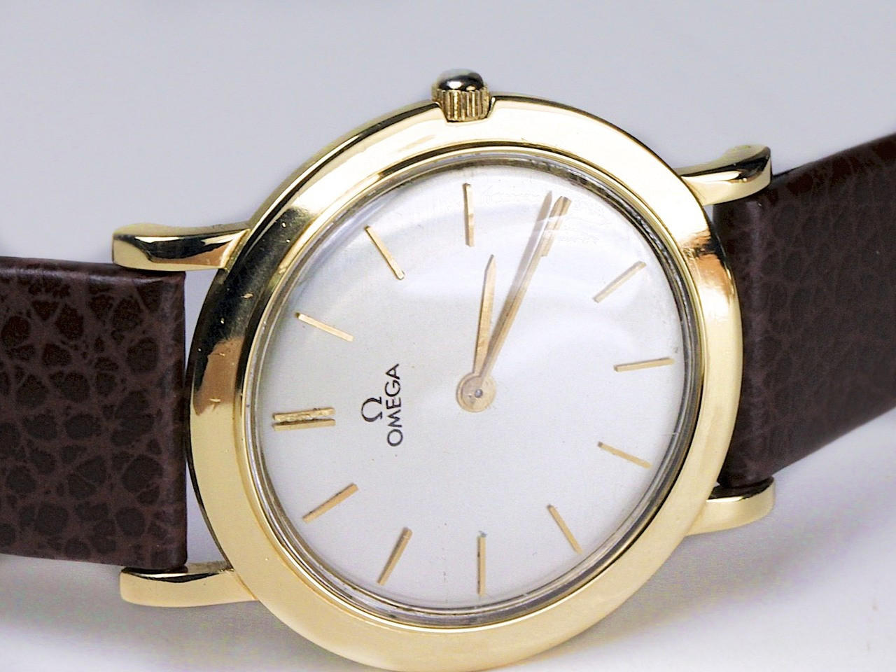 Silver Dial Detail - Omega Watch - Vintage 18K Yellow Gold 14718 - www.Legendoftime.com - Chicago Watch Center