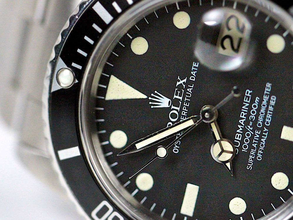 For sale collectable and rare Rolex vintage watch Submariner Transitional Matte Black Dial with Tritium hour markers and hands reference 16800 Made in 1980, available in store Chicago Watch Store and online www.Legendoftime.com