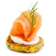 Sweet corn fritters, smoked salmon & cream cheese (20)