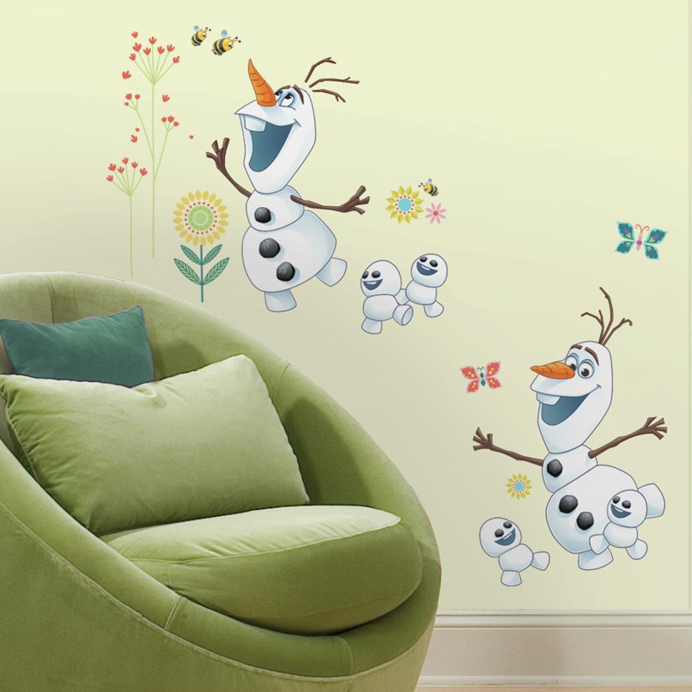 The friendliest snowman in Arendelle is coming to a wall near you! Add Disney Frozen's Olaf on your wall with our Olaf peel and stick wall decals.