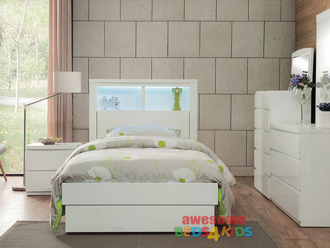The Benowa Bed Frame is the perfect addition to any kids bedroom. The modern elegant design boasting a bookcase headboard with LED light and pullout end drawer.