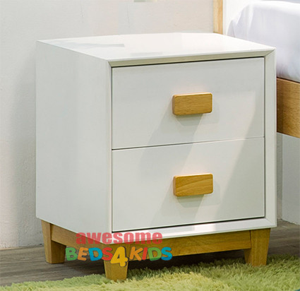 The slick white finish and natural rubber wood timber handle and base on this bedside table means it can be matched with any of our white bed frames and furniture.