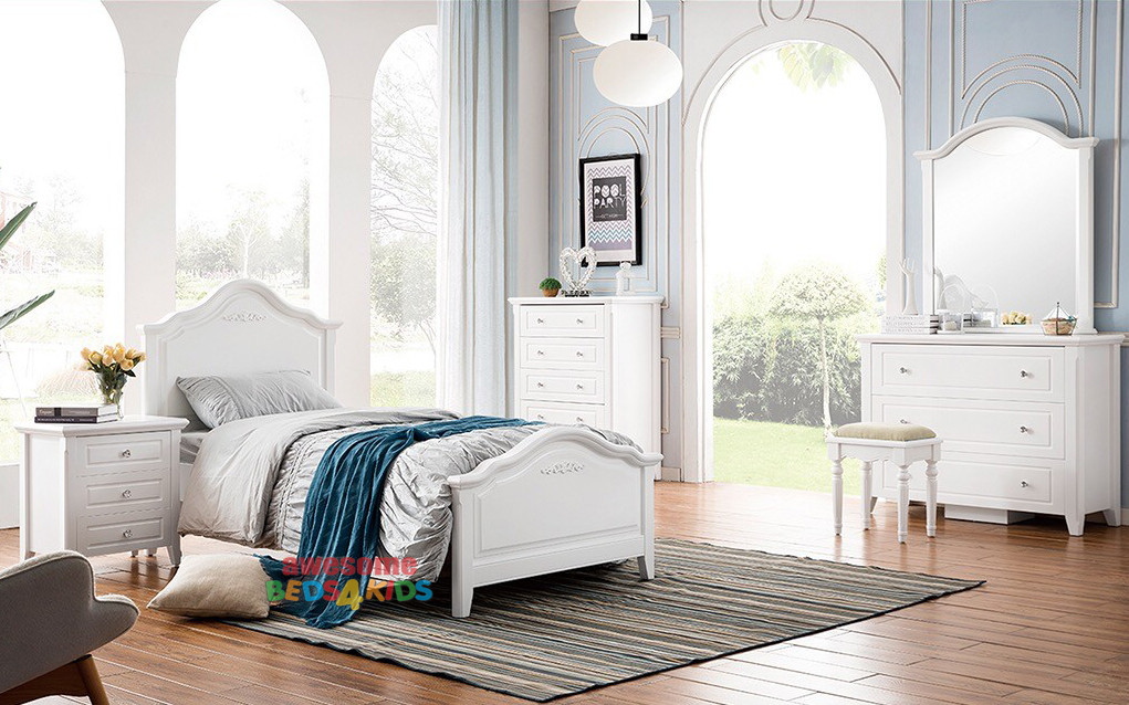 Beautifully designed curved bedhead and foot end with detail, perfect for any little princesses room, this bed will make a lasting impression. Single or King Single.