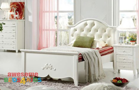 Beautifully designed curved bedhead with real white leather and diamond diamantes and foot end with detail, perfect for any little princesses room, this bed will make a lasting impression. King Single ONLY.