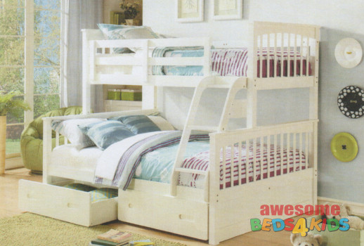 Brighton Double / Single Bunk features a federation style bunk bed with an open head and footboards which creates a feeling of space.