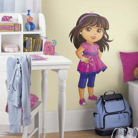 Give your little one a room full of excitement and fun with these Dora and Friends Giant Wall stickers.
