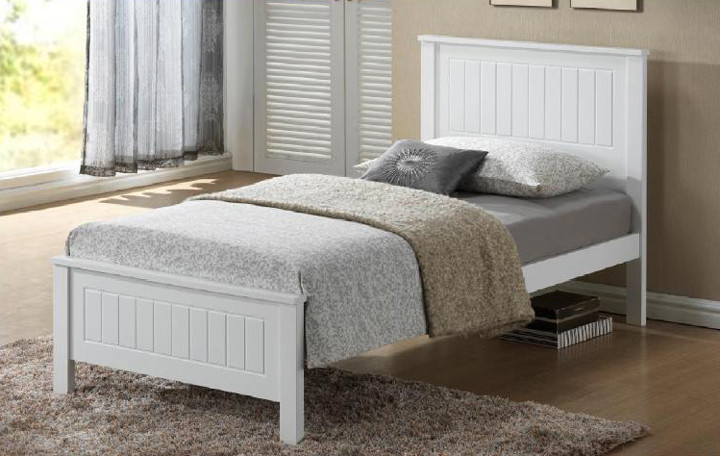 Quincy Bed Frame features an closed slated head and foot board and is great value, the perfect first bed.