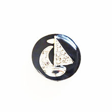 BLACK CRYSTAL SAILBOAT SNAP JEWEL