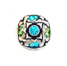 BLUE AND GREEN WOVEN FLOWER SNAP JEWEL