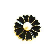 PEARL ON BLACK HEART PETALS SNAP JEWEL