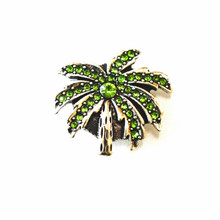 GREEN CRYSTAL PALM SNAP JEWEL