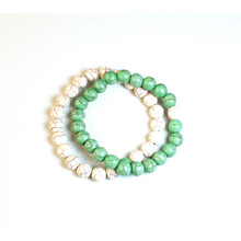 CRACKLE STONE BRACELETS - GREEN AND WHITE