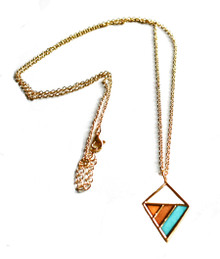 GEOWOOD TRICOLOR TRIANGLE NECKLACE