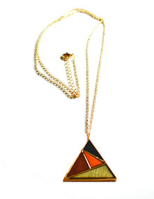 GEOWOOD TRIANGLE BLACK SAILS NECKLACE
