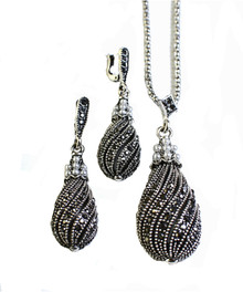 RETRO MARCASITE & PEARL EARRINGS & NECKLACE SET