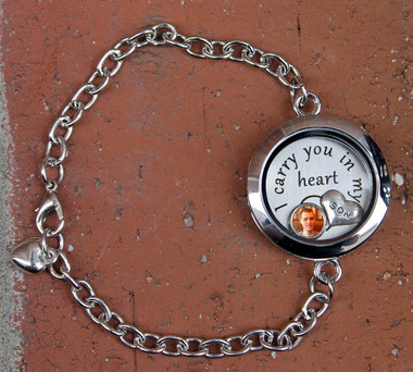 """I carry you in my heart"" Glass Floating Locket Bracelet with Photo Charm"