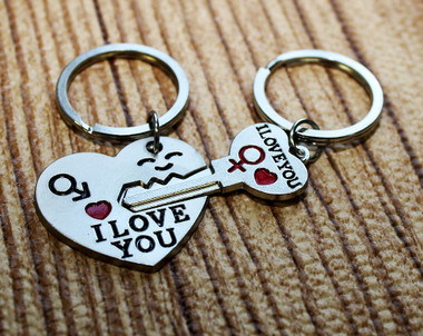 """Heart"" & ""Key"" Key Chain Set"