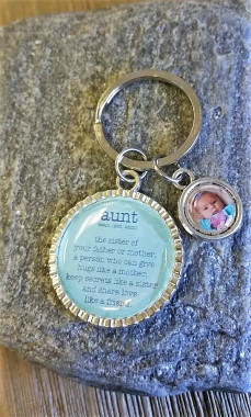 """""""Definition of Aunt"""" Pendant"""