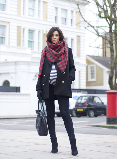 Stylish And Pregnant Chic Winter Maternity Street Style