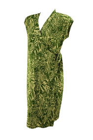 Green Olian Maternity Leaf Print Maternity Wrap Dress (Like New - Size Large)