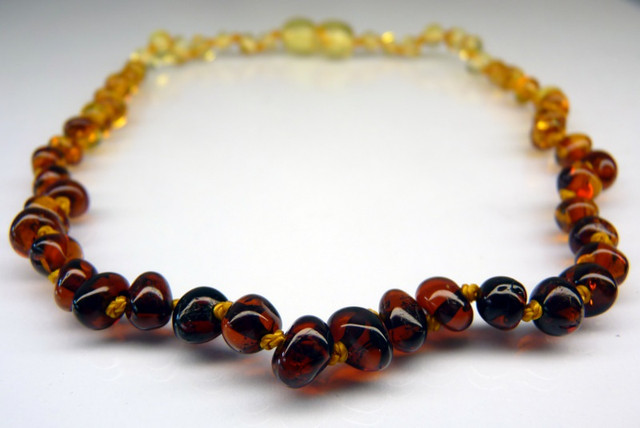 Amber Teething Necklace - Dew Drop