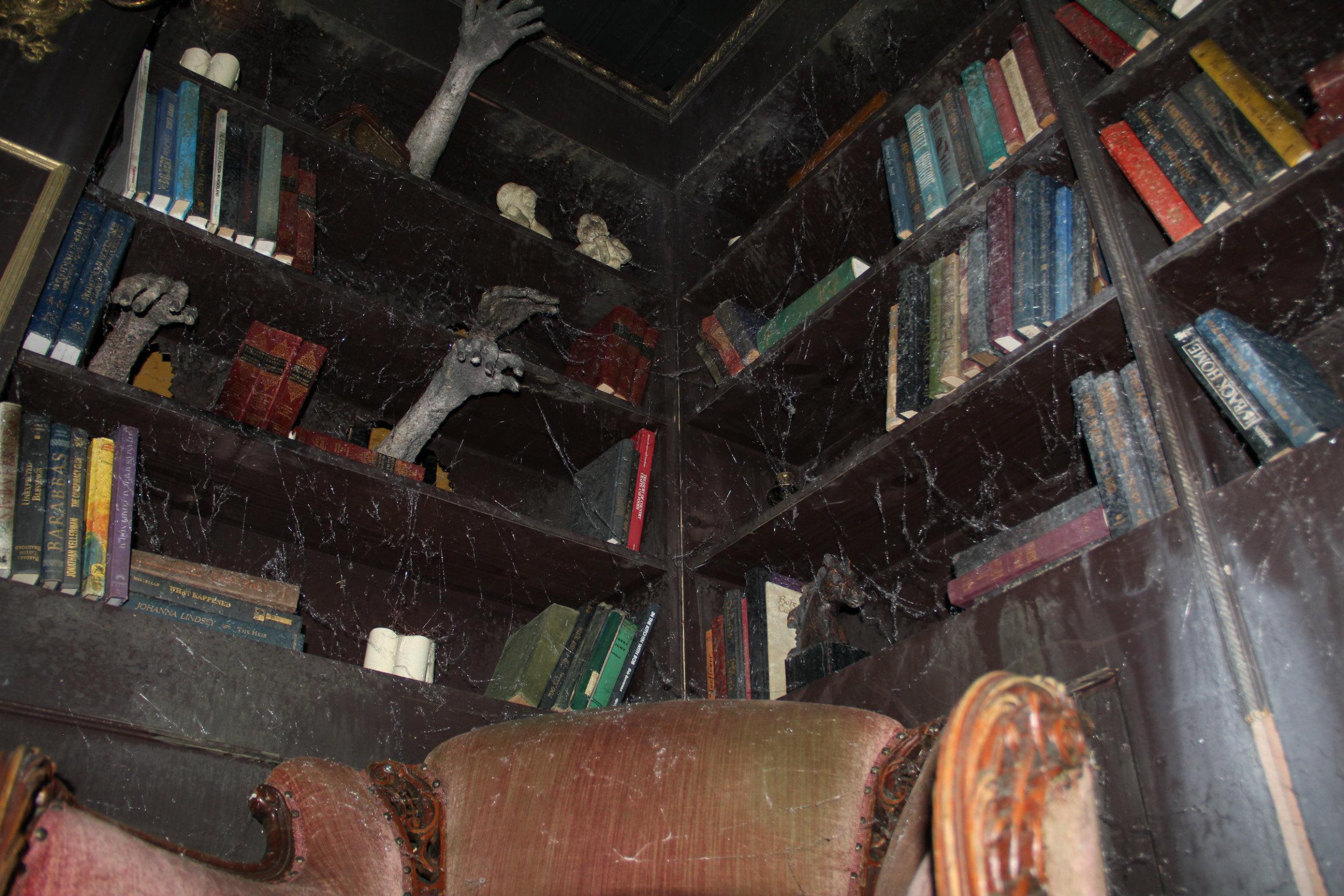 thai-hl-library1.jpg