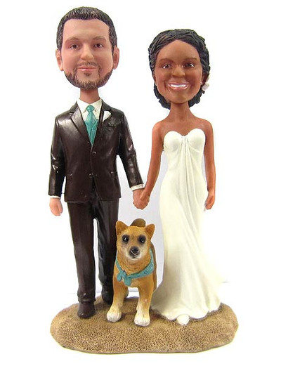 Beach wedding couple cake topper with pet