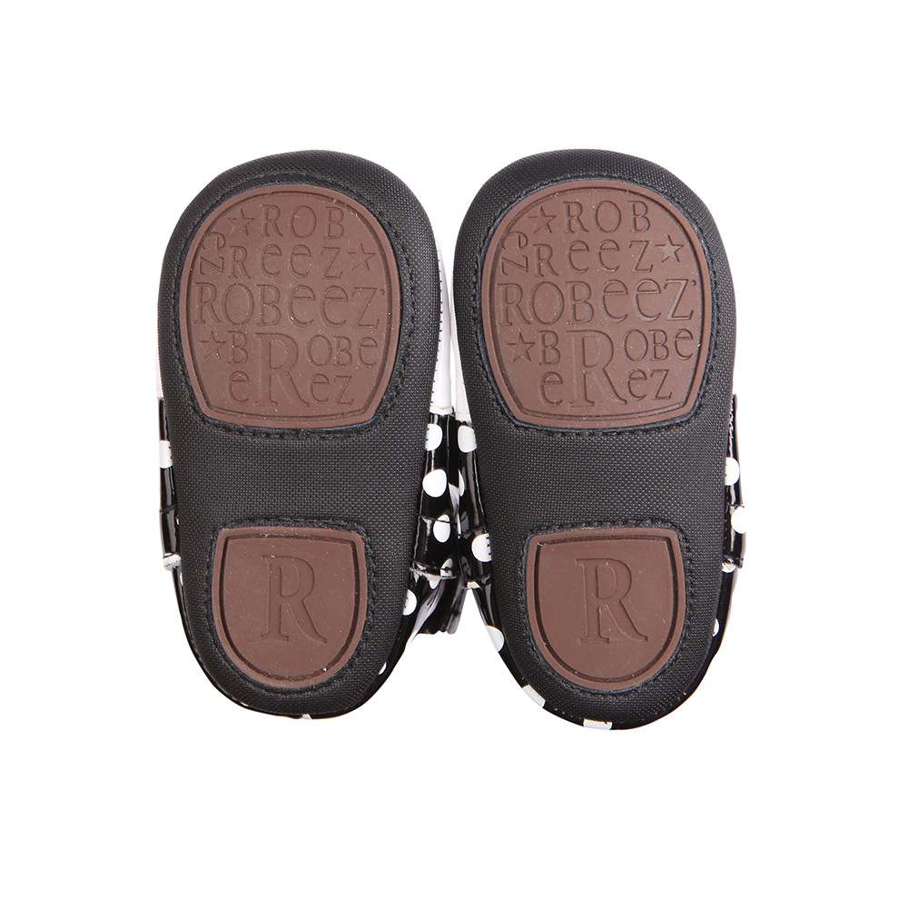 Improved split rubber sole gives added protection while maintaining comfort and flexibility little feet need as they begin to walk and start to cruise