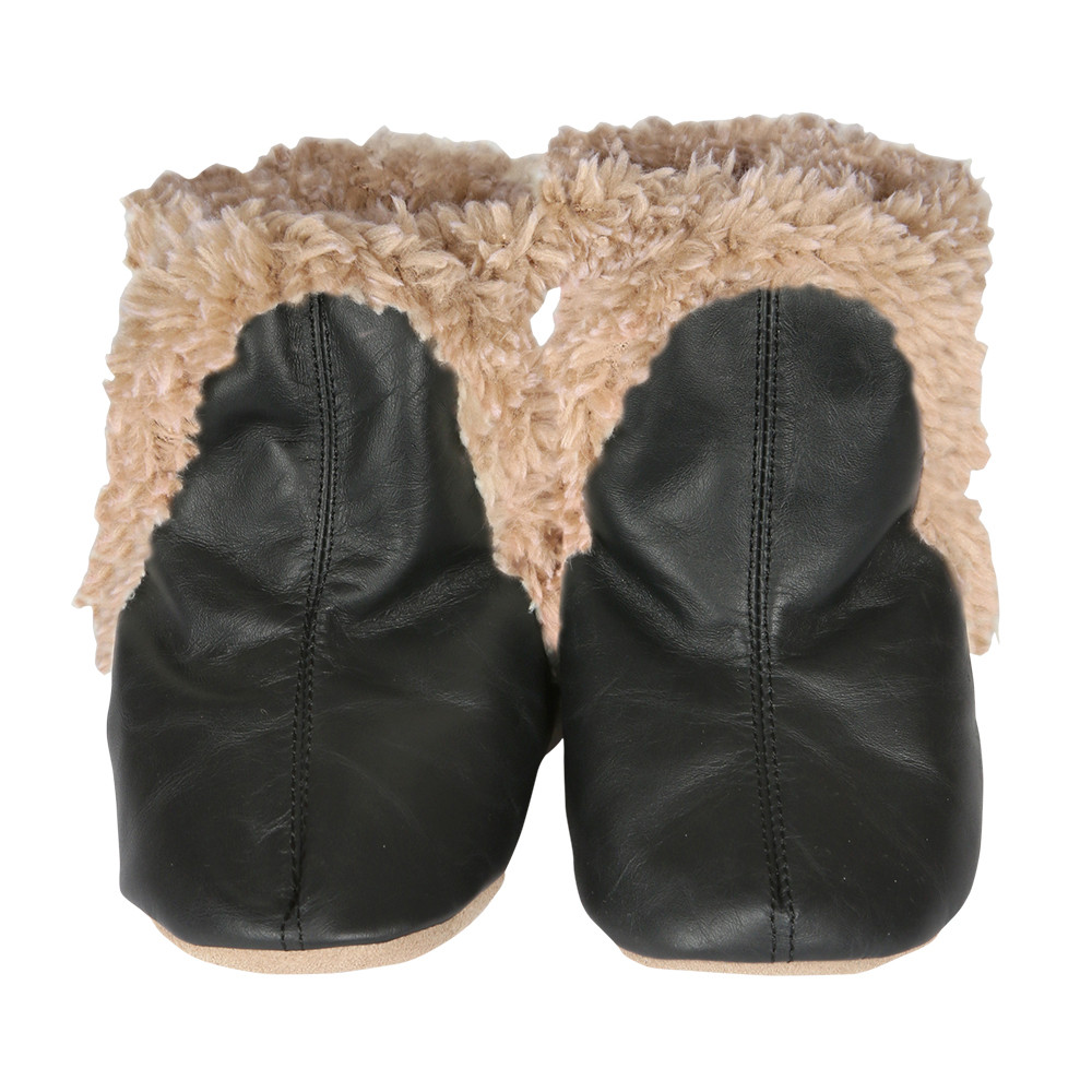 Baby boots for boys and girls.  Black Leather, Faux Fur lined.  Pre-walkers and beginner walkers.