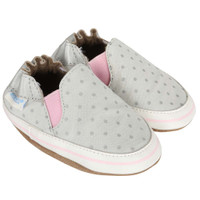 Girls' bay shoes in canvas.  Grey with grey polka dots.