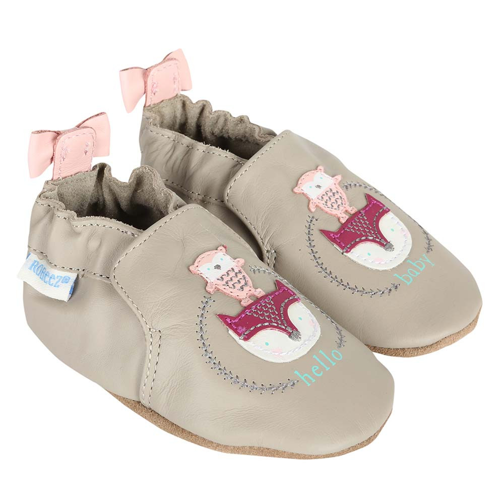 Girl's baby shoes in grey leather with cute animal appliques.