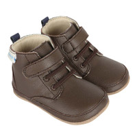 Boys boots for babies, infants and toddlers in brown leather.  Mini Shoes.