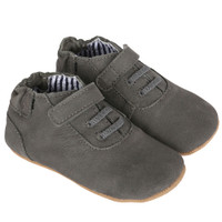 Boys baby shoes in grey suede with hook and loop closure