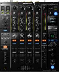 1 x Pioneer DJM-900 Mixer