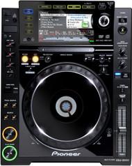 1 x Pioneer CDJ-2000