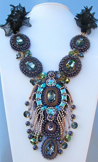 swarovski-crystal-necklace-inspiration.jpg