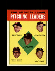 1963 AL PITCHING LEADERS TOPPS #8 BUNNING TERRY PASCUAL EXMT #5402