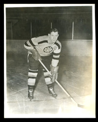 1949 MILT SCHMIDT 8X10 BOSTON BRUINS WIRE PHOTO