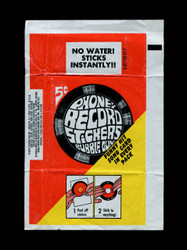 1967 TOPPS PHONEY RECORD STICKERS WAX WRAPPER (SMALL EDSGE TEAR)